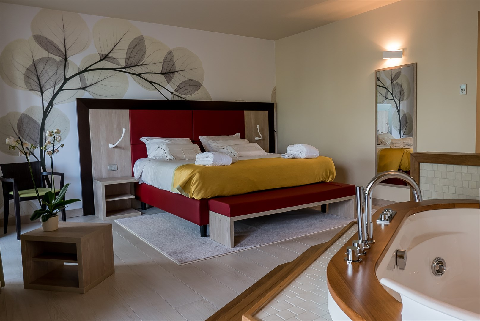 Suite con idromassaggio su lago di como hotel griso for Piani di cabina di tronchi di 2 camere da letto